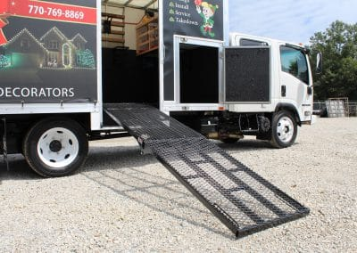 MR-550 Manual and Eco Hydraulic Loading Ramp Fleet Graphics King Cab Landscaping Irrigation Truck (9)